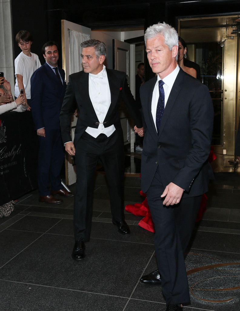 George Clooney at the Met Gala 4th May 2015 - Page 2 George+Clooney+MET+Gala+2015+Departures+Carlyle+mQsmlwFIxaix