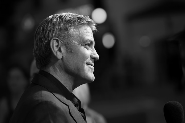 Black and White Pictures!!! George+Clooney+Premiere+Paramount+Pictures+Dt5bGPbi9rrl