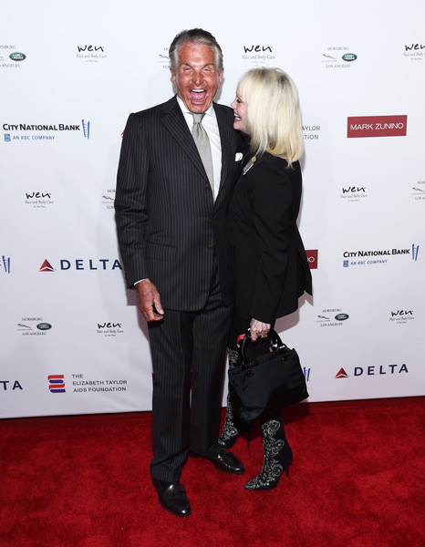 Mark Zunino Atelier Hosts Cocktail Reception Benefiting The Elizabeth Taylor AIDS Foundation