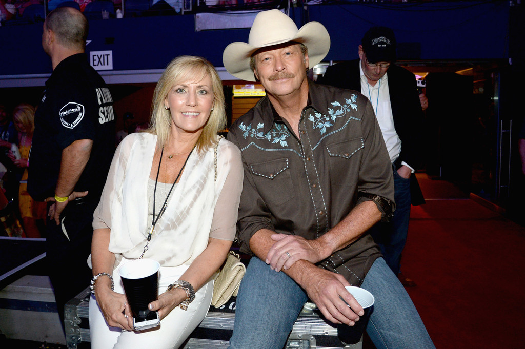 Alan jackson's family asks for prayers after son
