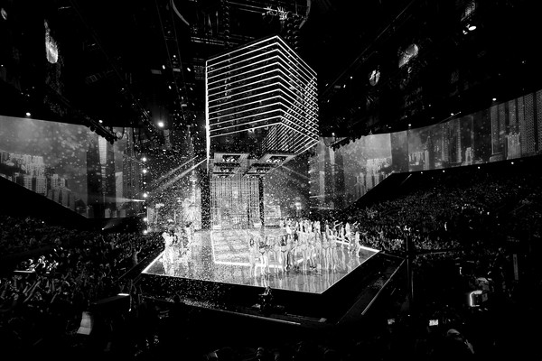 2017 Victoria's Secret Fashion Show in Shanghai - Show [image,black,white,black-and-white,monochrome,monochrome photography,water,architecture,night,urban area,human settlement,models,shanghai,runway,mercedes-benz arena,china,victorias secret,victorias secret fashion show,shanghai - show]