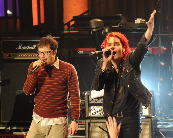 Gerard Way Rivers Cuomo of Weezer (L) and Gerard Way of My Chemical Romance perform at the
