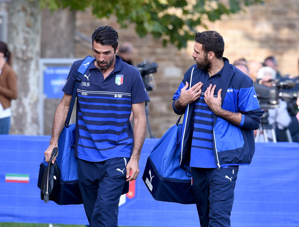 Italy Training Session and Press Conference [blue,competition event,championship,recreation,coach,leisure,gianluigi buffon,salvatore sirigu,chat,italy,florence,coverciano,l,italy training session and press conference,training session]