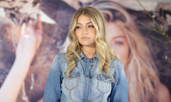 Gigi Hadid Greets Fans at Myer Macquarie Centre