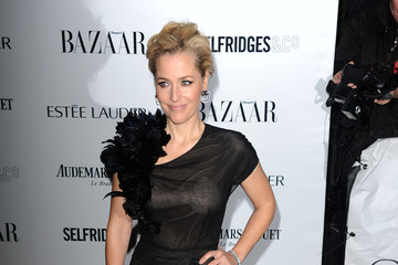 Gillian Anderson Stars at the Harpers Bazaar Women of the Year Awards