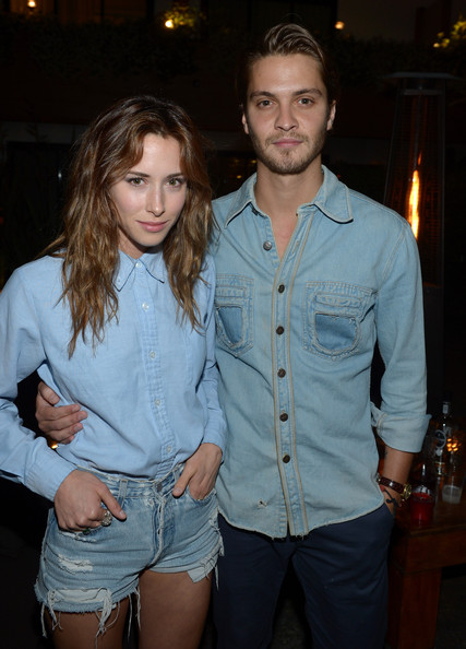 luke grimes dating history Random couple alert elon musk is apparently now dating musician grimes it appears that elon musk has moved on from his amber heard-related heartbreak.