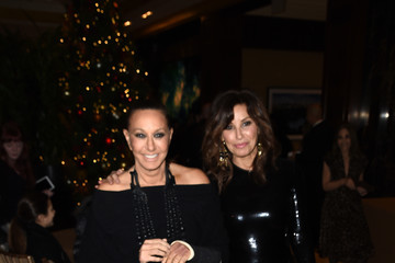 Gina Gershon 'Baby It's Cold Outside' - The 2016 Revlon Holiday Concert For The Rainforest Fund Gala