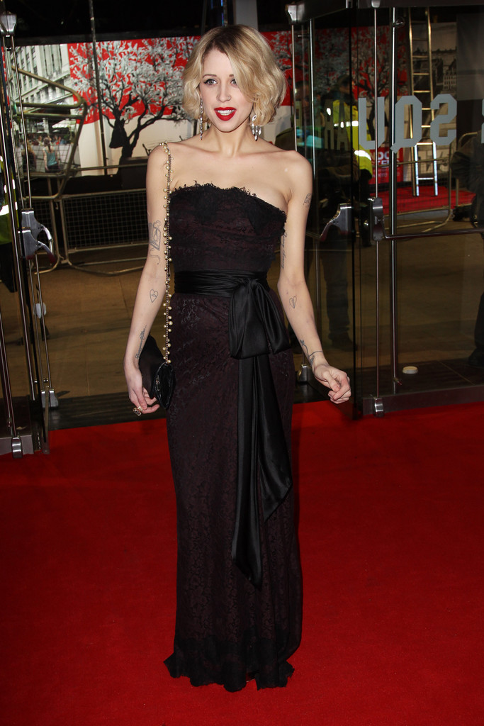 'The Girl With The Dragon Tattoo' Red Carpet - Zimbio