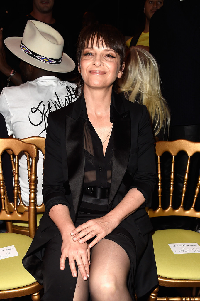 Juliette Binoche Photos Photos Front Row At Givenchy