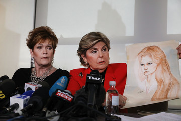 Gloria Allred Alabama Woman Accusing GOP Senate Candidate Judge Roy Moore of Sexual Assault Holds News Conference With Attorney Gloria Allred