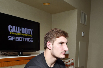 Golden Tate Pro-Football Players Golden Tate and Joey Bosa Play Call of Duty: Infinite Warfare Sabotage DLC From Houston