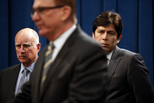Jerry Brown Announces Emergency Drought Legislation