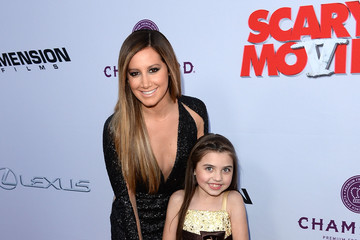 Gracie Whitton Arrivals at the 'Scary Movie 5' Premiere 2