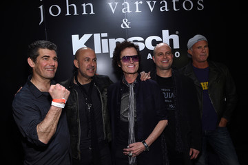 Greg Harris Klipsch Audio Presents an Intimate Inductee Conversation Hosted by John Varvatos