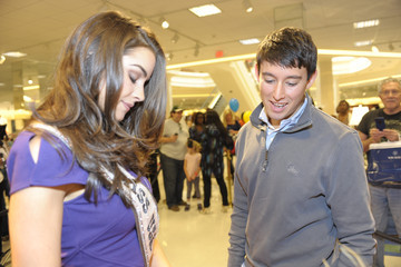 Greg Harrison Chinese Laundry And Miss USA Olivia Culpo Celebrate the Grand Opening Of Von Maur
