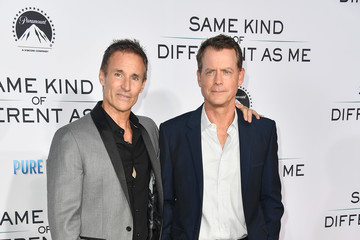 Greg Kinnear Premiere of Paramount Pictures and Pure Flix Entertainment's 'Same Kind of Different As Me' - Arrivals