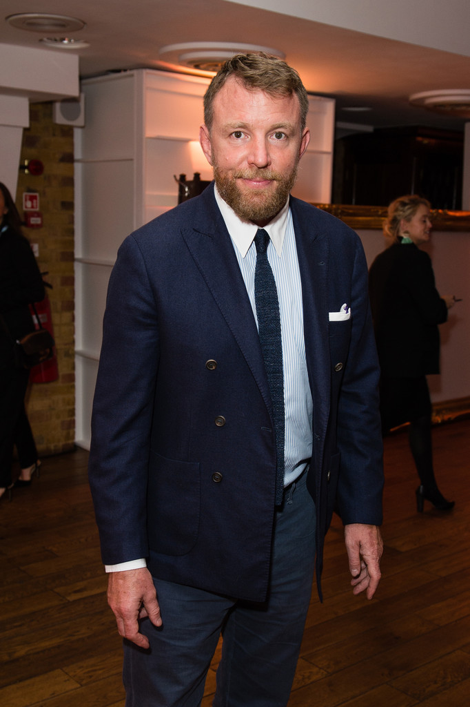 http://www4.pictures.zimbio.com/gi/Guy+Ritchie+Old+Vic+Summer+Party+ZKG36_lmc4Rx.jpg