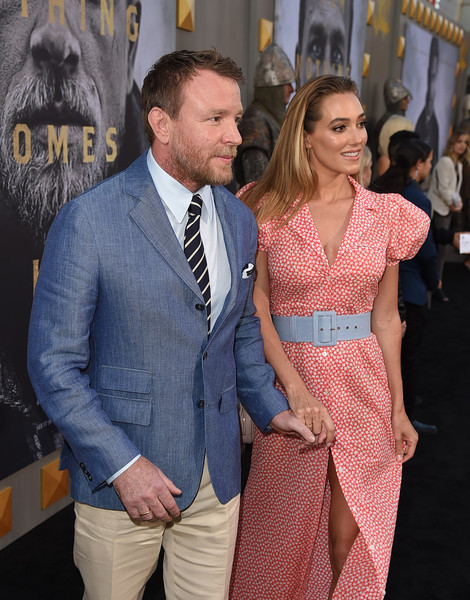 http://www4.pictures.zimbio.com/gi/Guy+Ritchie+Premiere+Warner+Bros+Pictures+BUvN6sM2cD2l.jpg