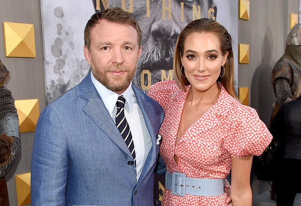 http://www4.pictures.zimbio.com/gi/Guy+Ritchie+Premiere+Warner+Bros+Pictures+N9_dtMj7odil.jpg