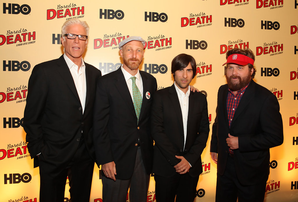 Ted Danson Jason Schwartzman Zach Galifianakis Jonathan Ames Ted Danson And Zach Galifianakis Photos Hbo S Bored To Death Premiere Zimbio