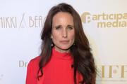 Andie MacDowell Photos Photo