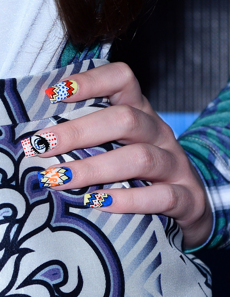 Over Nail Art? Let Hailee Steinfeld's Comic-Con Nails Make You Reconsider!