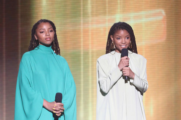 Halle Bailey 2018 American Music Awards - Fixed Show