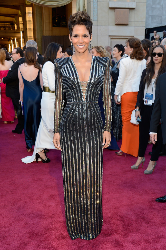 http://www4.pictures.zimbio.com/gi/Halle+Berry+85th+Annual+Academy+Awards+Arrivals+4zQgtDaLumUx.jpg