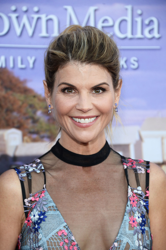Lori loughlin photos photos hallmark channel and for Hallmark movies and mysteries channel