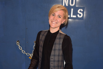 Hannah Hart Alice + Olivia By Stacey Bendet - Arrivals - Fall 2016 New York Fashion Week: The Shows