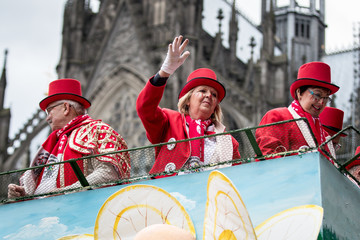 Hannelore Kraft Political Satire Dominates Rose Monday Carnival Parades