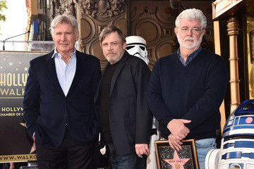 Harrison Ford Mark Hamill Is Honored With A Star On The Hollywood Walk Of Fame