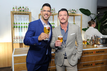 Harry Lewis Stella Artois And Luke Evans Unveil STELLASPACE - A Sensory Guide To Mastering The Art Of Mindful Beer Sipping