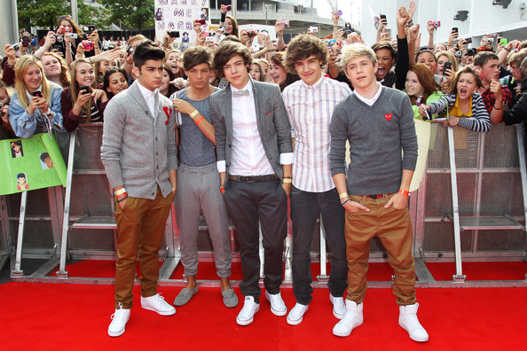 Harry Styles (UK TABLOID NEWSPAPERS OUT) L-R Zain Malik,  Liam Payne, Harry Styles, Louis Tomlinson and Niall Horan of One Direction attend the BBC Teen Awards at Wembley arena on October 9, 2011 in London, United Kingdom.