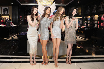 He Sui Grand Opening of Victoria's Secret Shanghai Flagship Store