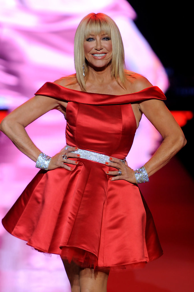 Suzanne Somers - Suzanne Somers Photos - Heart Truth