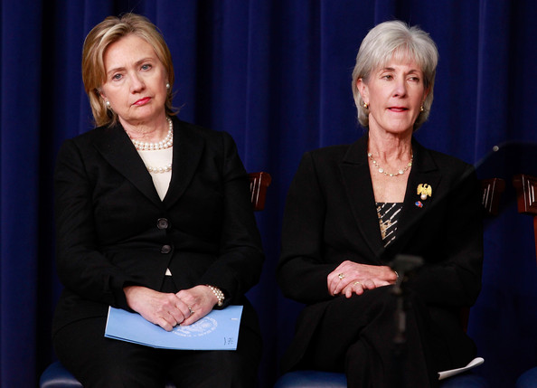 http://www4.pictures.zimbio.com/gi/Hillary+Clinton+Kathleen+Sebelius+Obama+Administration+kOmng4p1BvUl.jpg