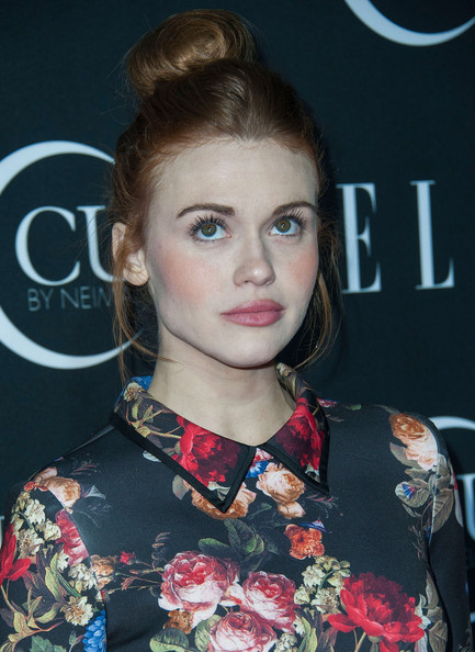 http://www4.pictures.zimbio.com/gi/Holland+Roden+ELLE+5th+Annual+Women+Music+nNWeV3-2tNFl.jpg