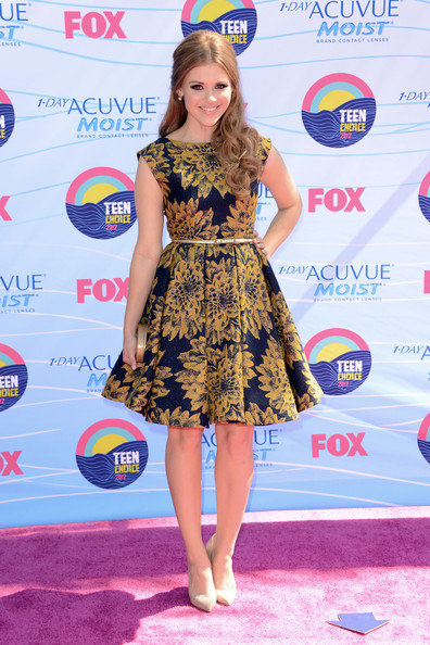 Holland Roden - Teen Choice Awards 2012 - Arrivals