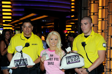 Joshua Grant Holly Madison Promotes Planet Hollywood's Entertainment Ending Resort Fees