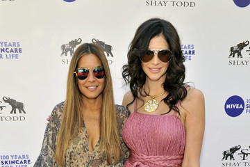 "Hope Dworaczyk 2011 NIVEA ""Good-Bye Cellulite, Hello Bikini!"" Challenge Poolside Party With Khloe Kardashian Odom"