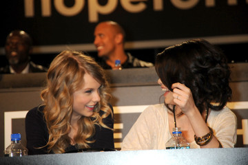 Selena Gomez Taylor Swift Hope For Haiti Now: A Global Benefit For Earthquake Relief - Los Angeles