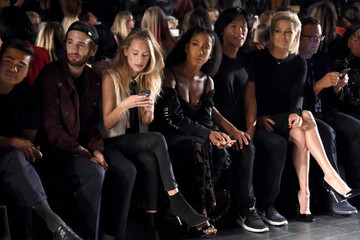 Hopper Penn  Desigual - Front Row - September 2017 - New York Fashion Week: The Shows
