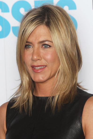 (UK TABLOID NEWSPAPERS OUT) Jennifer Aniston poses for a photocall to promote the UK release of Horrible Bosses at The Dorchester on July 20, 2011 in London, England.
