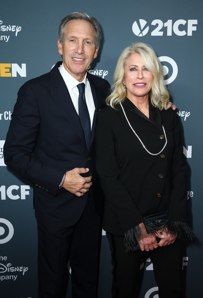 GLSEN Respect Awards – Los Angeles - Red Carpet [premiere,event,suit,award,white-collar worker,red carpet,l,glsen respect awards,los angeles,beverly hills,california,beverly wilshire four seasons hotel,howard schultz,sheri kersch schultz]