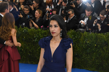 Huma Abedin 'Rei Kawakubo/Comme des Garcons: Art of the In-Between' Costume Institute Gala