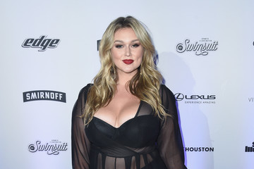 Hunter McGrady Sports Illustrated Swimsuit 2017 NYC Launch Event