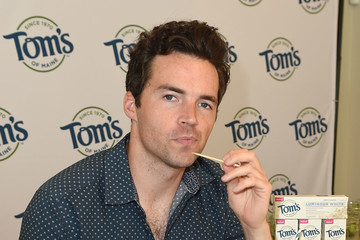 Ian Harding Tom's Of Maine Luminous White Summer Bash