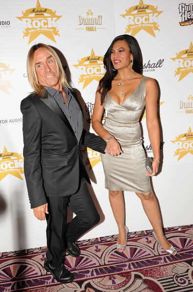 Iggy pop and nina alu photos photos classic rock roll of honour arrivals zimbio - Photo jambe femme ...