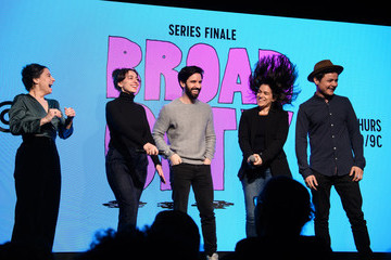 Ilana Glazer Abbi Jacobson Comedy Central's Broad City Fan Finale Event At Sony Hall In NYC